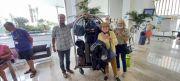 Nos-amis-de-Gandia-voyagent-legerement-Non