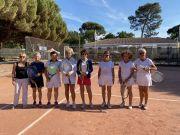 Les-equipes-de-Biarritz-a-droite-et-Bordeaux-Primerose-gagnante-2-1